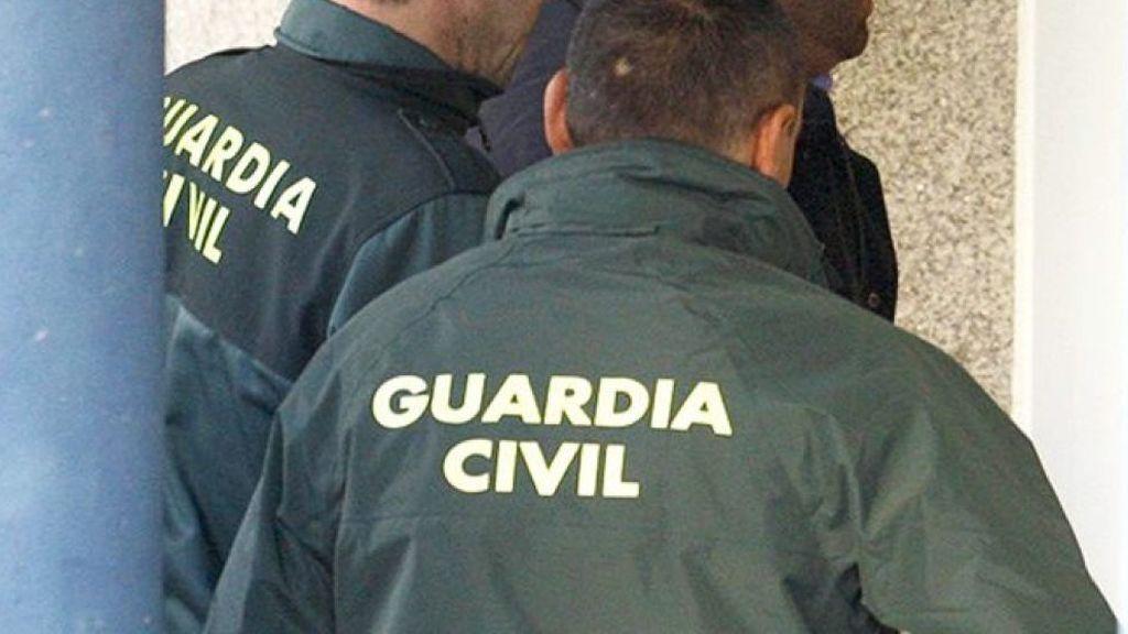 La Guardia Civil detiene en Mula a una pareja por abandonar a sus hijos de 5 y 7 años