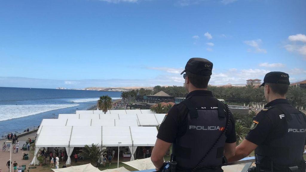 Detienen a un hombre por presuntamente robar en una tienda y dañar 24 coches en Tenerife