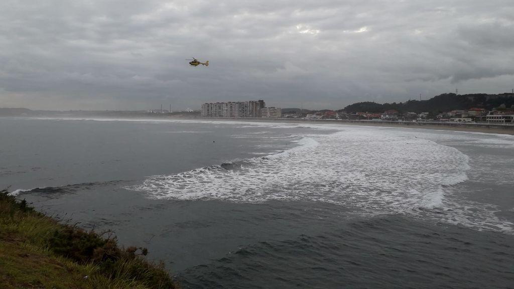 La búsqueda de la mujer que cayó al mar en Castrillón (Asturias) fracasa por tercer día consecutivo
