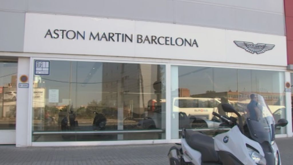 Detenido un ladrón de coches de alta gama cuando pretendía robar un Aston Martin en Barcelona