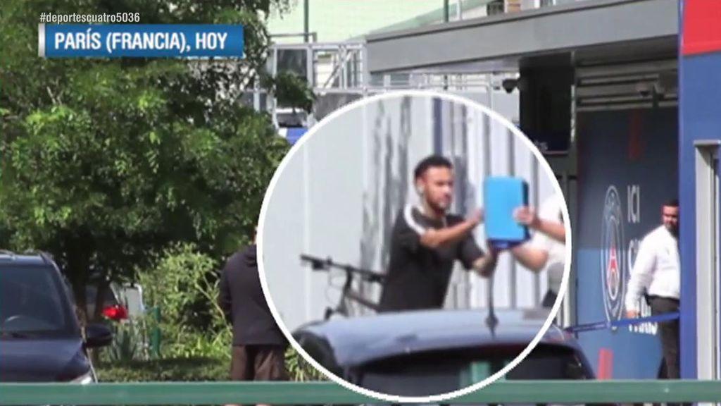 """Un empleado del PSG increpa a Neymar en las instalaciones del club: """"Pesetero"""""""