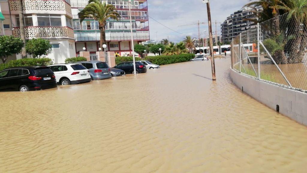 Alicante vive el día más lluvioso desde mediados del siglo XIX