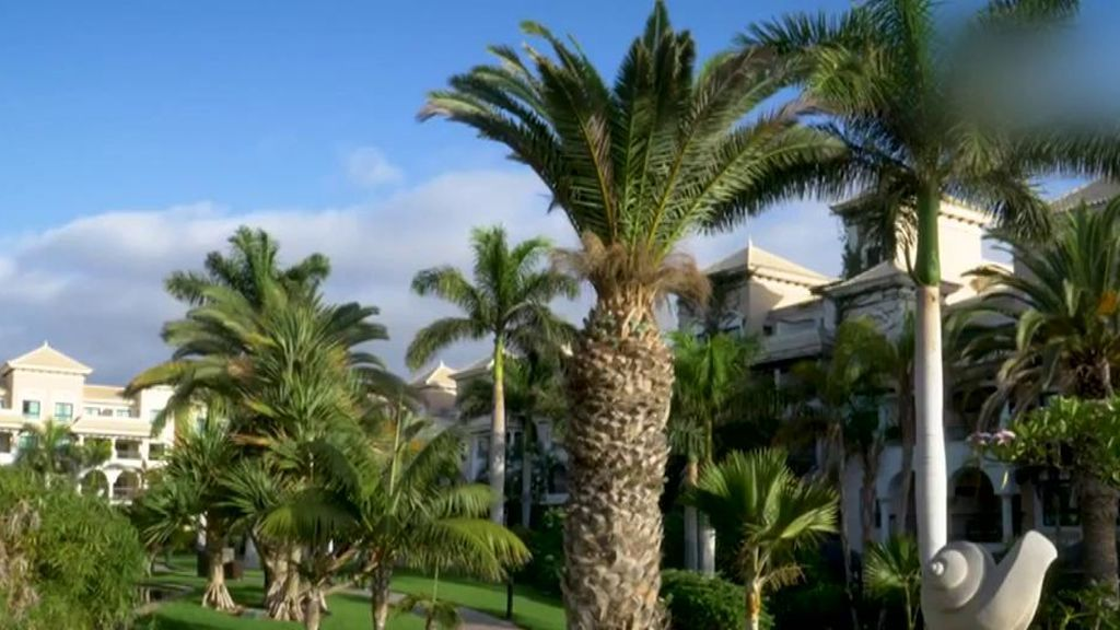 Así están siendo las vacaciones de lujo de Belén Esteban en Tenerife