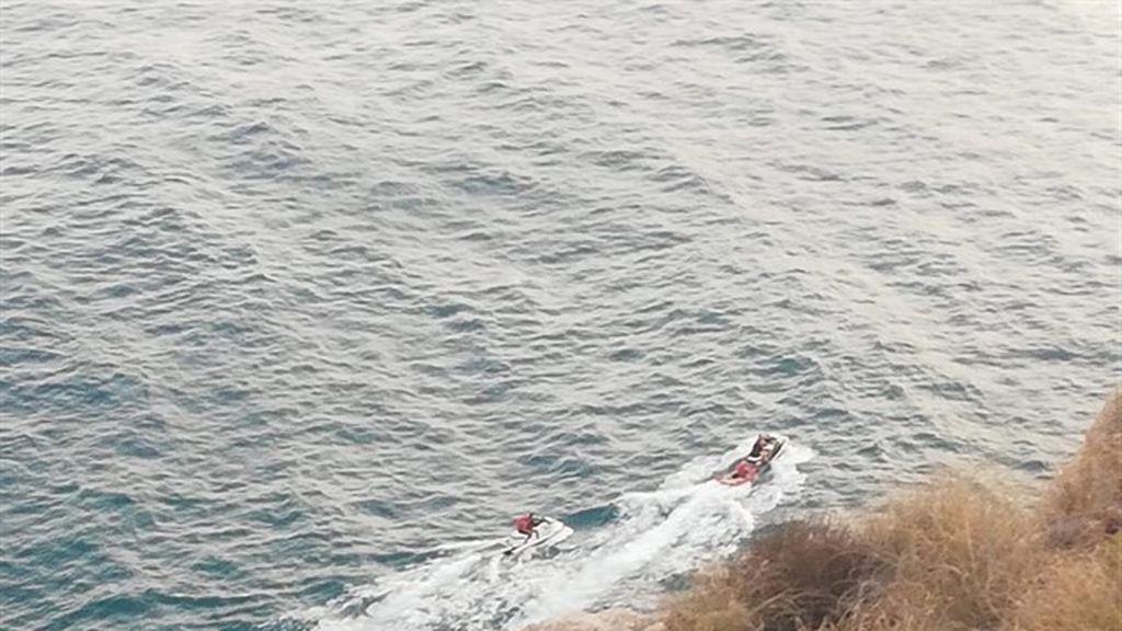 Rescatado un hombre tras caer por un acantilado cuando iba a pescar entre calas en Carboneras (Almería)