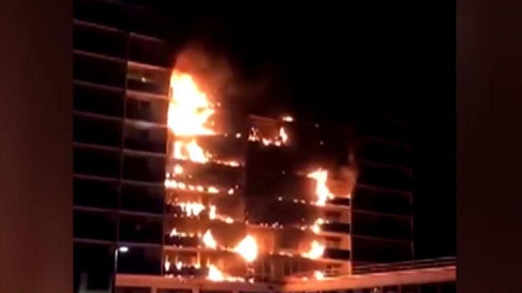 Un muerto en un incendio en un hospital de París