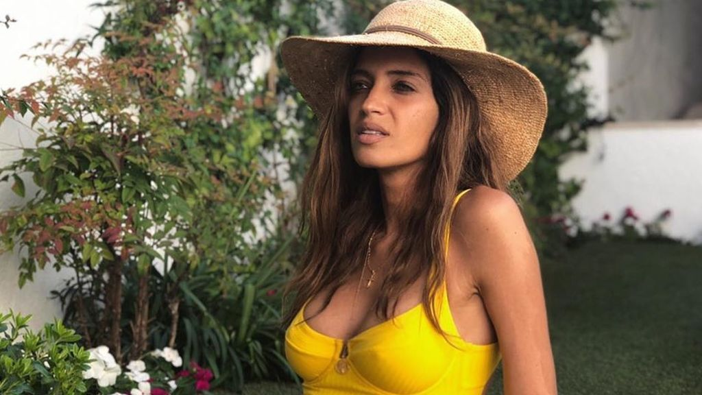 """Isabel Jiménez manda su apoyo a Sara Carbonero posando con todos sus hijos: """"Va por ti, comadre"""""""