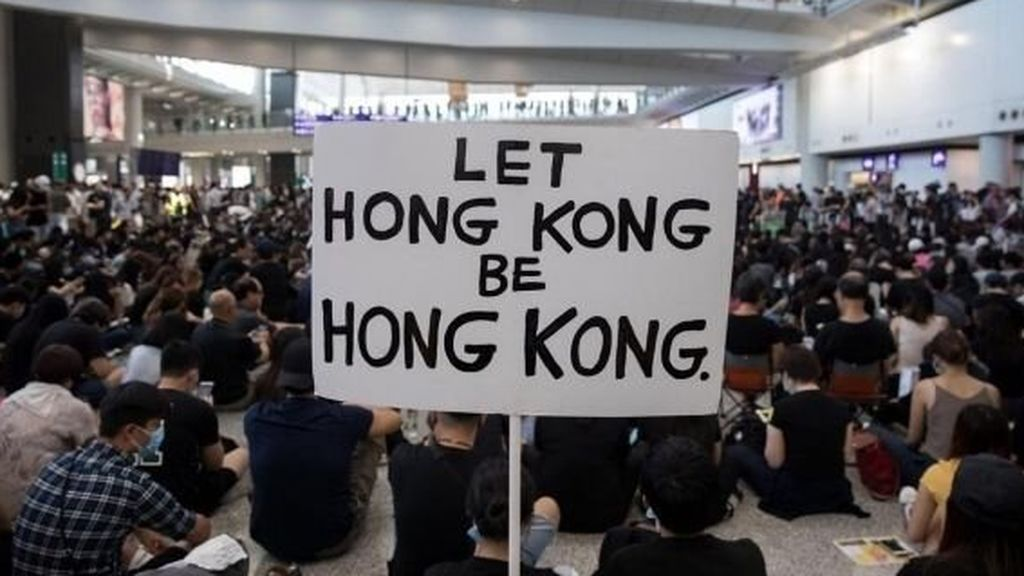 Manifestación por la no injerencia china en Hong Kong