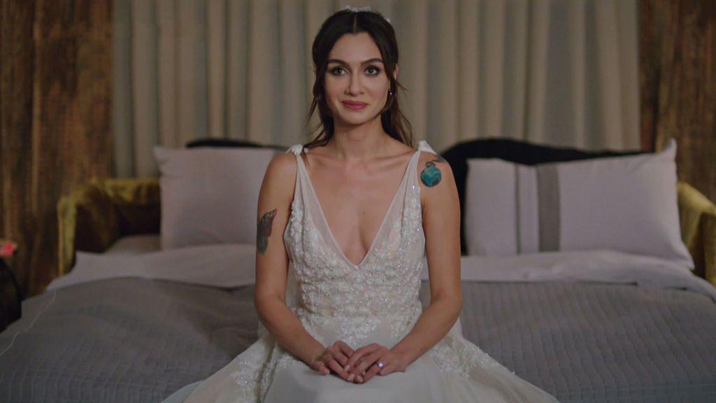 Asli se viste de novia: vota y dinos qué te ha parecido su look para el gran final de 'Amor en blanco y negro'