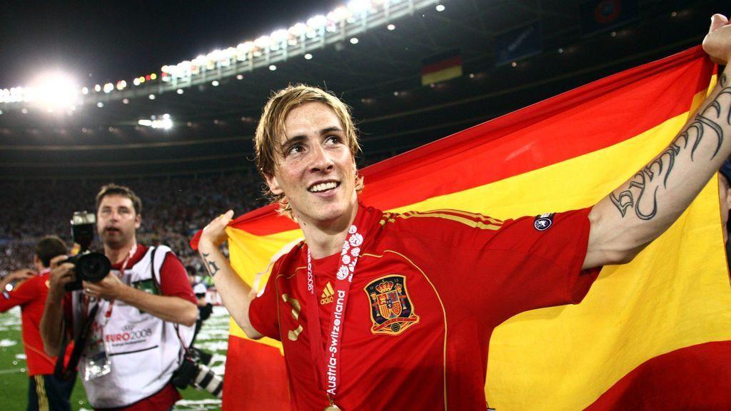Casillas, Iniesta o XXX: el mundo del deporte homenajea a Fernando Torres en su último partido