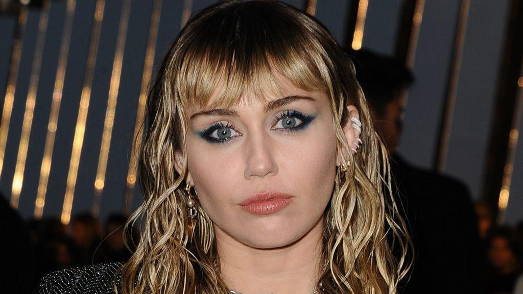 Miley Cyrus estalla y cuenta toda la verdad sobre su divorcio con Liam Hemsworth