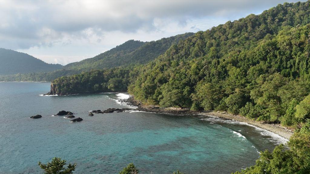 Muere un español en Indonesia tras recibir el impacto de la hélice de una embarcación cuando buceaba
