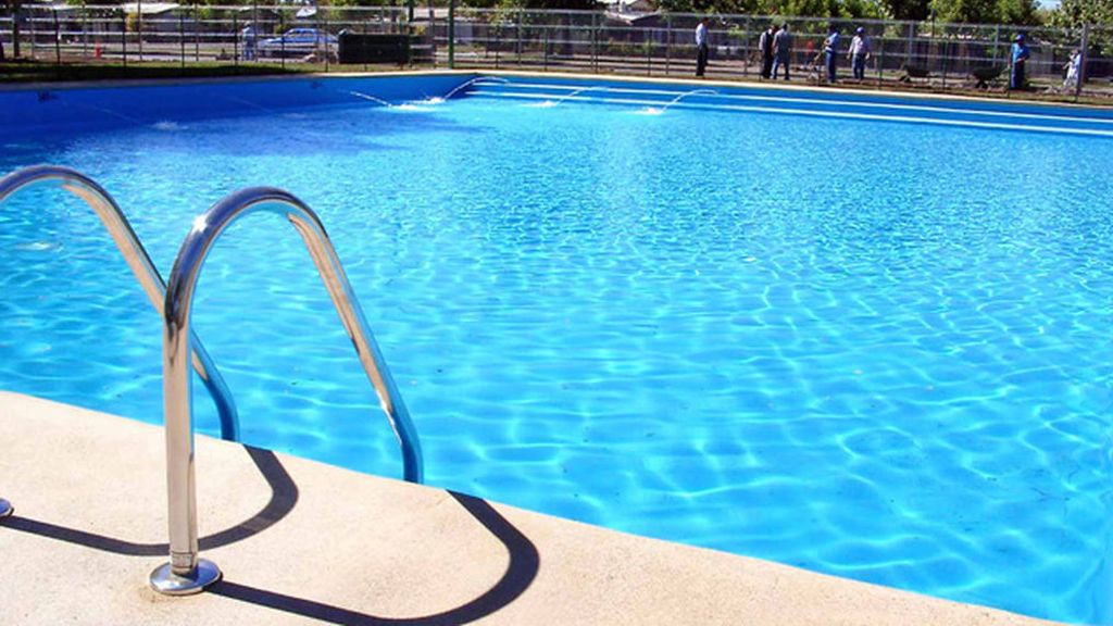 Dos turistas salvan la vida a un bebé que cayó en una piscina de un hotel de Palma