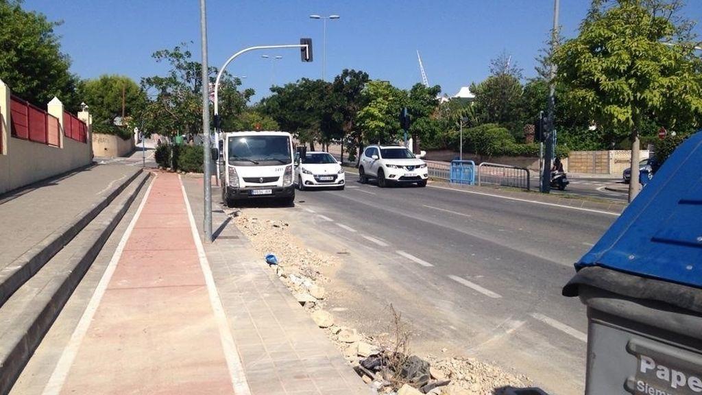 Un joven arrolla a cuatro operarios de limpieza en Alicante con un todoterreno