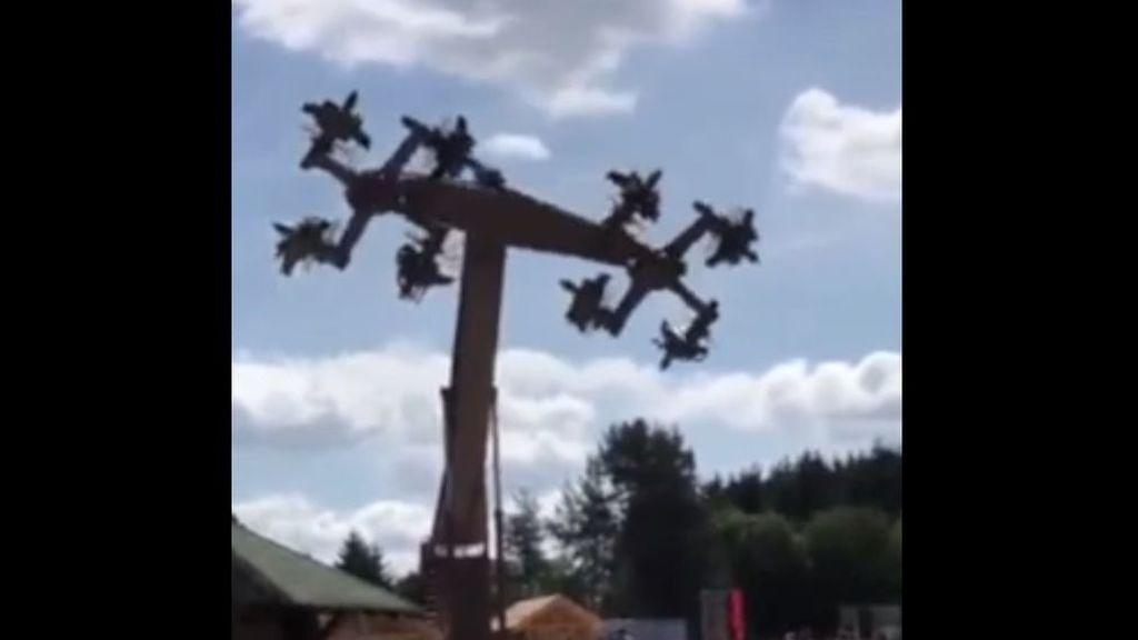 Obligan a rediseñar una atracción de feria en Alemania porque sus aspas tenían forma de esvástiva nazi