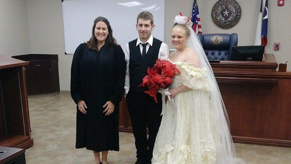 Tragedia de recién casados: una pareja, de 19 y 20 años, muere en un accidente de coche al salir de su boda