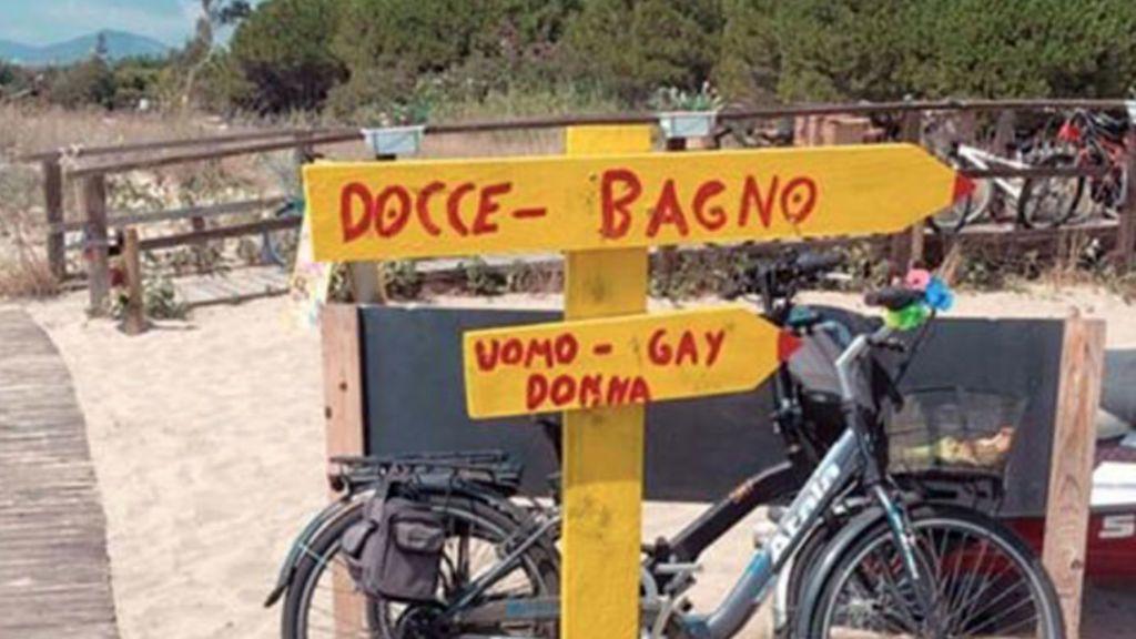 Efecto Salvini en Italia:  Baños y duchas para hombres, mujeres y gais
