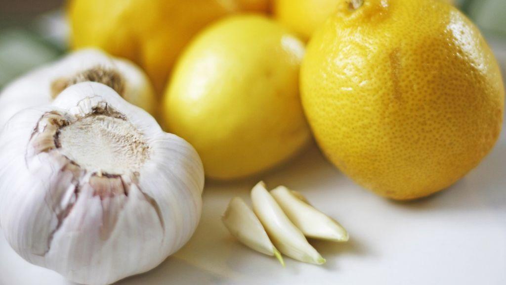 Ajo y cítricos, el descubrimiento de investigadores españoles para combatir la listeria