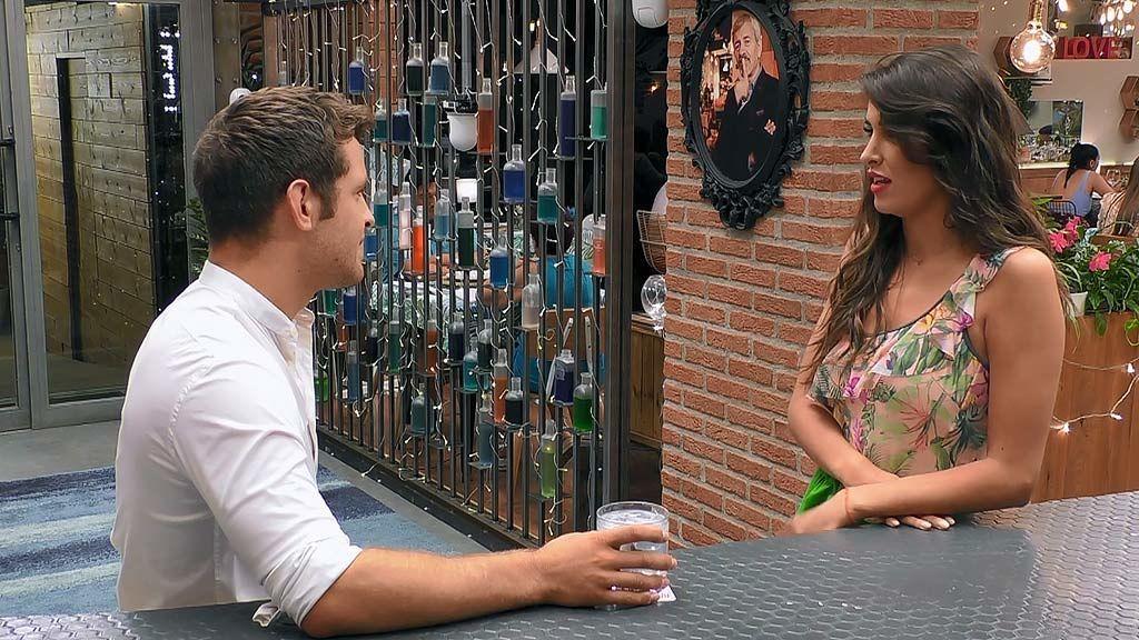"""Benjamín se lanza a conquistar a Lidia: """"Tú estás soltera desde hace poco, ¿no?"""""""