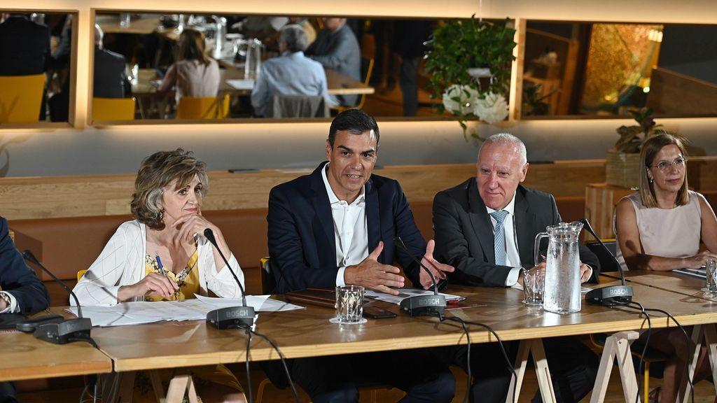 Los colectivos que se reúnen con Sánchez concluyen que la repetición electoral es el escenario más probable