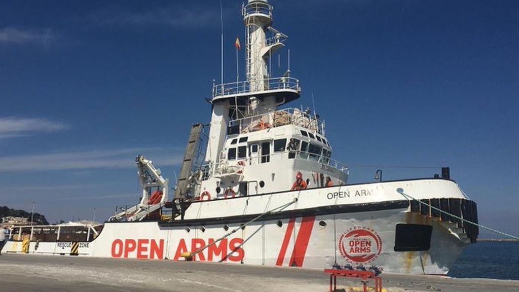 La vida del 'Open Arms', el buque insignia de la ONG catalana
