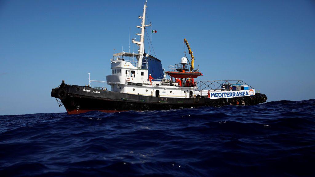 Italia autoriza el desembarco de niños, mujeres y enfermos rescatados por el 'Mare Jonio'