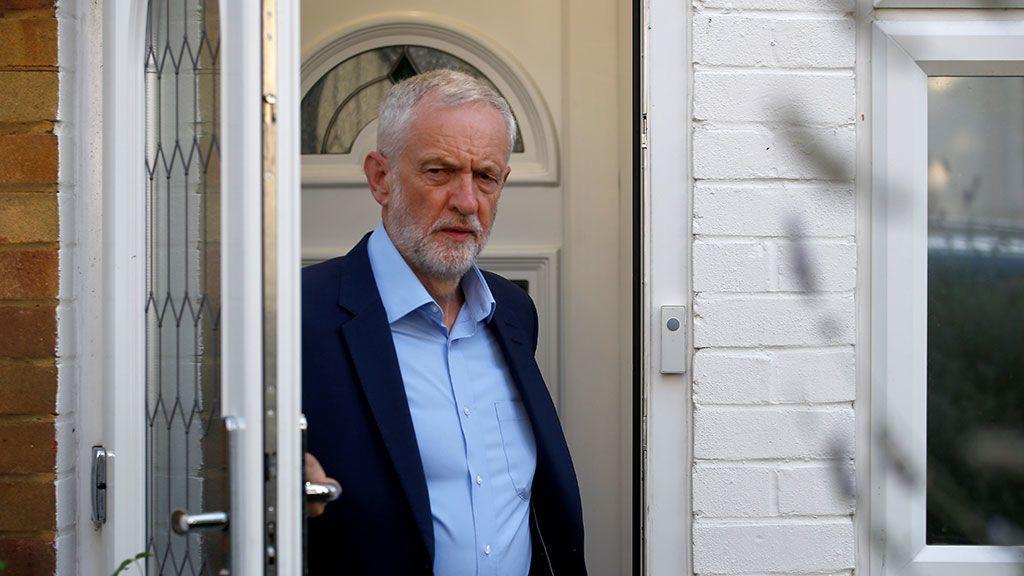 Los laboristas intentan evitar el Brexit duro