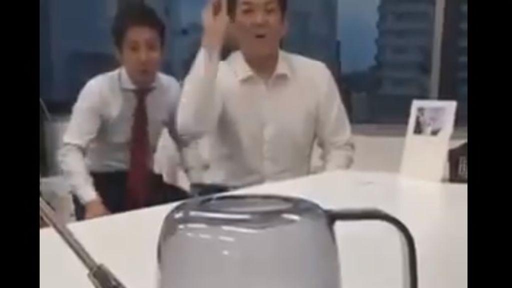 No todo es lo que parece: el vídeo viral de unos trabajadores muestra lo fácil que es engañar en La Red