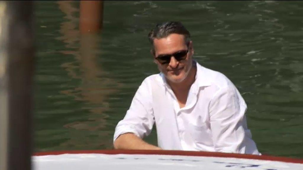 El 'Joker' de Joaquin Phoenix causa furor en Venecia