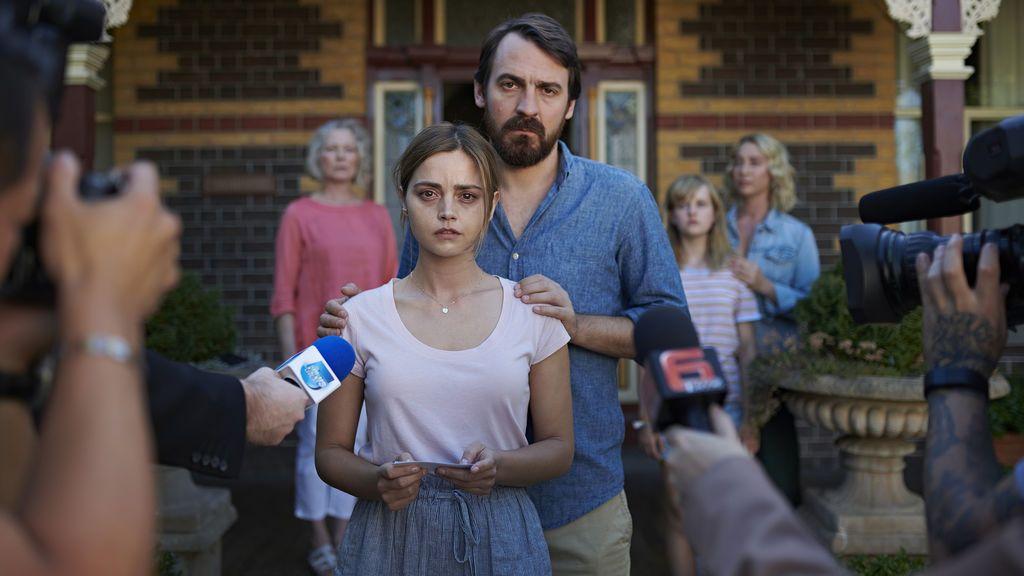 Telecinco estrena 'The Cry', exitosa miniserie de la BBC protagonizada por Jenna Coleman y Ewan Leslie