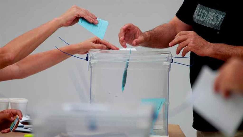 Las elecciones que, según las encuestas, los españoles no quieren le darían mayoría absoluta al PSOE y Podemos