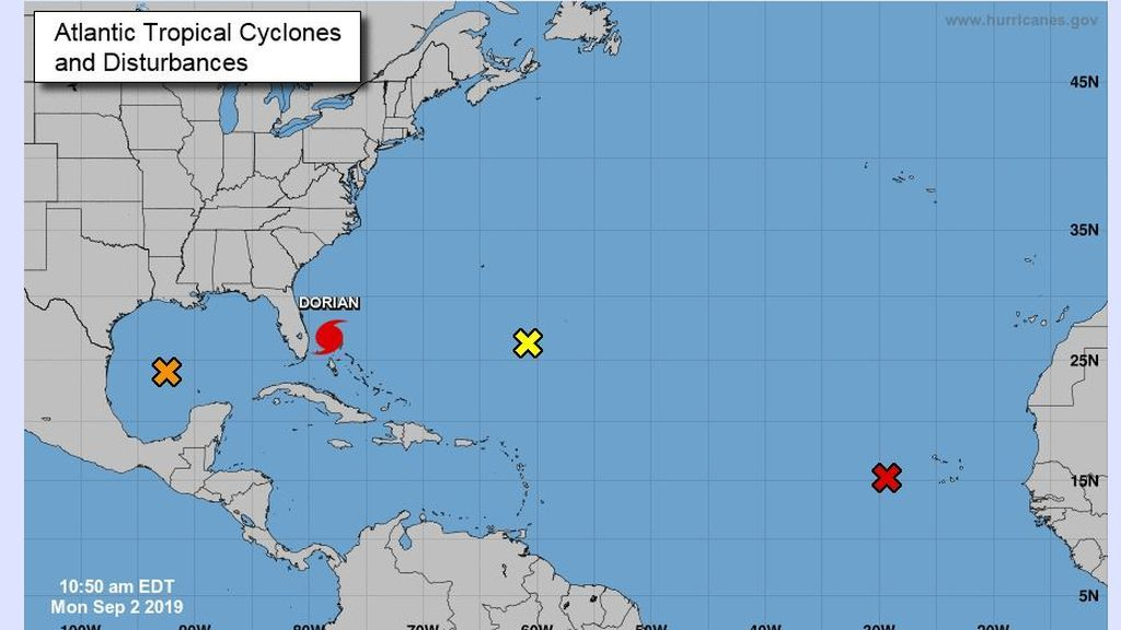 Monitoreo de ciclones tropicales del Centro Nacional de Huracanes / NOAA