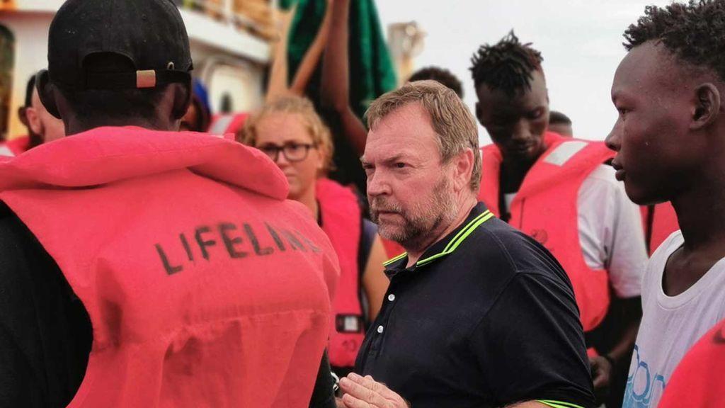 El barco Eleonore entra en aguas italianas saltándose el veto de Salvini
