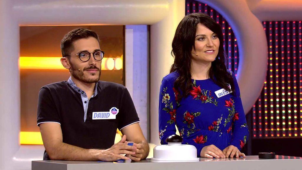 David e Inés consiguen dinero para y a ver a Dani Martínez... y viajar