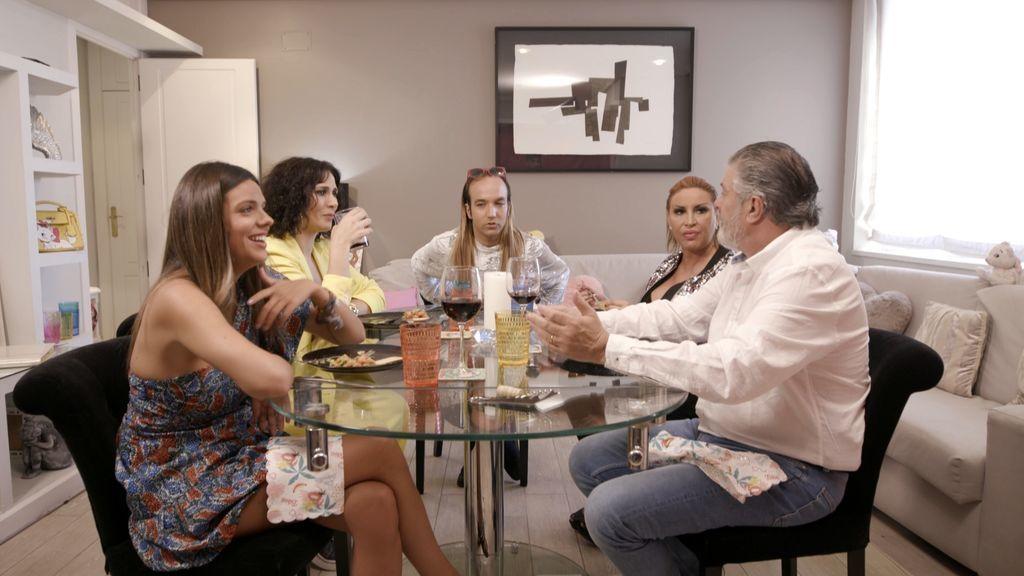 """Aless Gibaja desplegará sus dotes de """"superanfitrión"""" en 'Ven a cenar conmigo: Gourmet Edition'"""