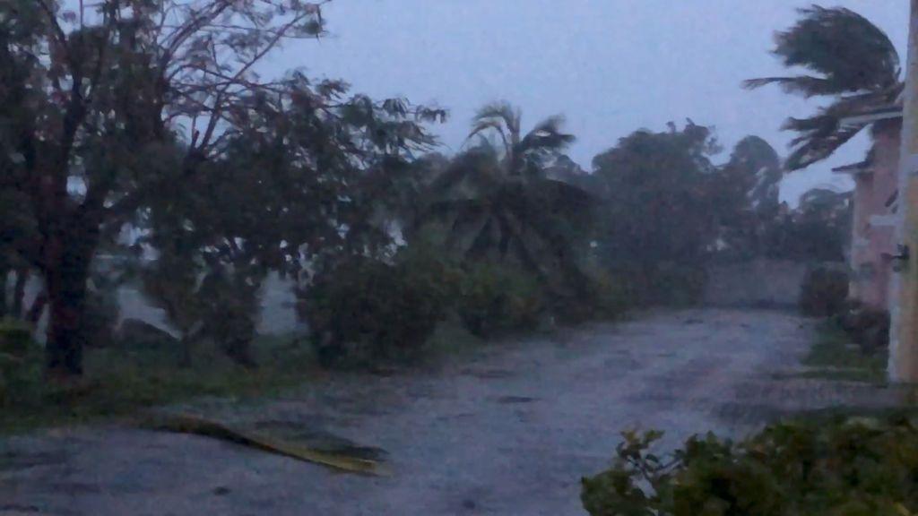 Cinco muertos tras el paso del potente huracán Dorian por Bahamas