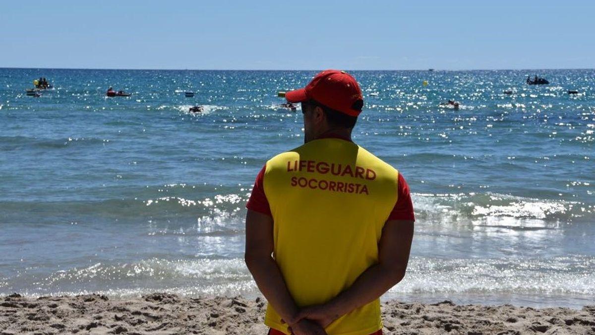 Bañarse en septiembre, un riesgo por la falta de socorristas
