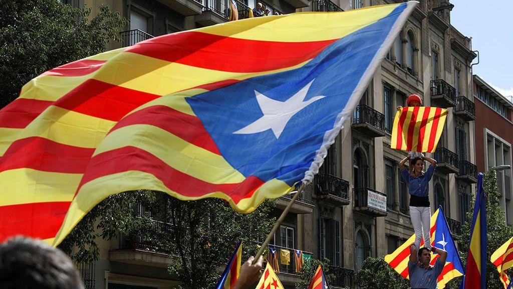 Sánchez  marca distancias con Podemos y ERC con su rechazo por escrito al referéndum en Cataluña