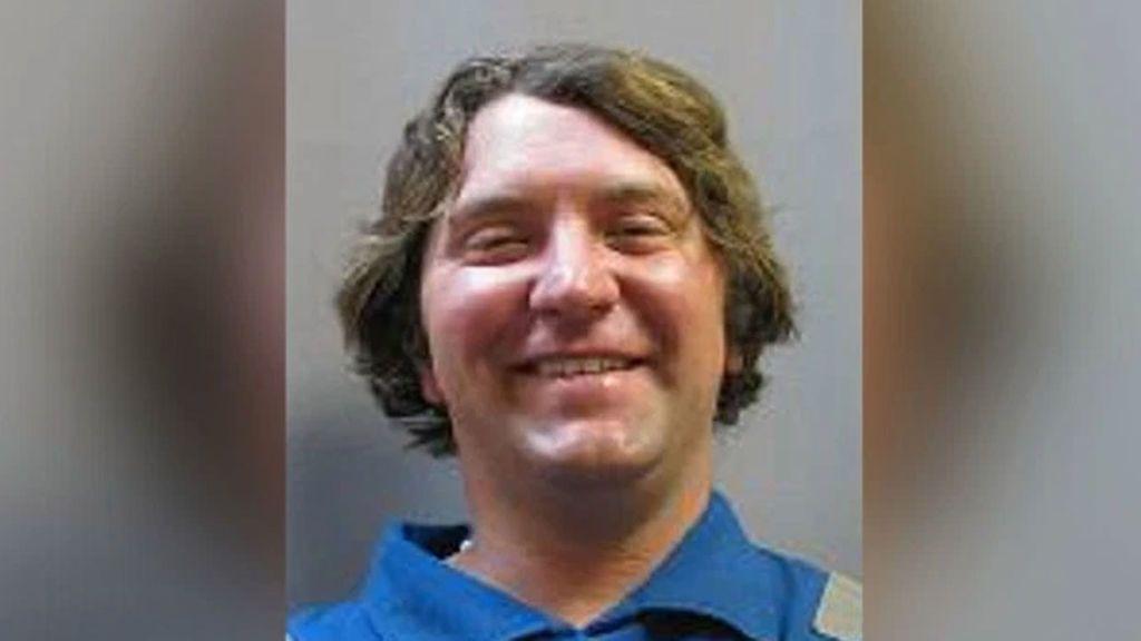 El autor del tiroteo en unos multicines en Texas tenía prohibido comprar armas por sus problemas mentales