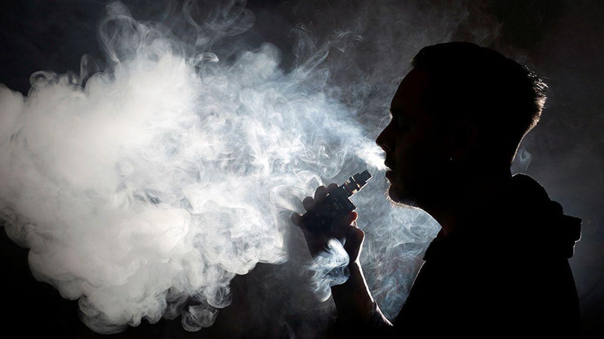 Sanidad alerta a los jóvenes contra  los 'falsos mitos': el vapeo crea adicción y tiene efectos perjudiciales para la salud