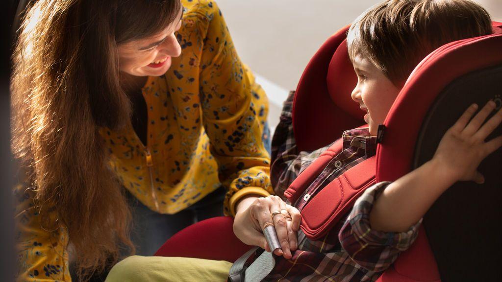 Diez normas básicas para llevar a los niños en el coche