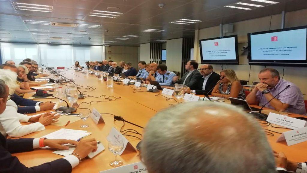 18 entidades sentadas en la misma mesa con un sólo propósito: frenar la inseguridad en Barcelona