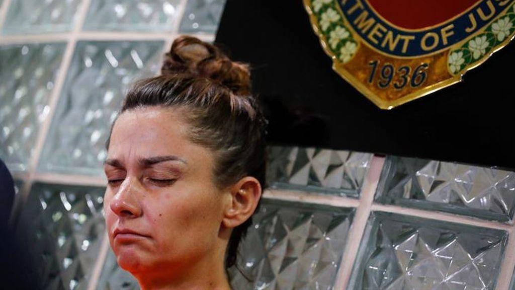 La estadounidense Jenifer Talbot comparece ante la justicia filipina tras ser detenida en el aeropuerto al tratar de sacar del país a un bebé oculta en su bolso