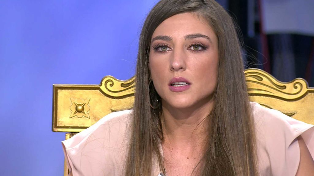 Aitor muestra las pruebas que confirman que Álex invitó a Carmen a dormir en su casa