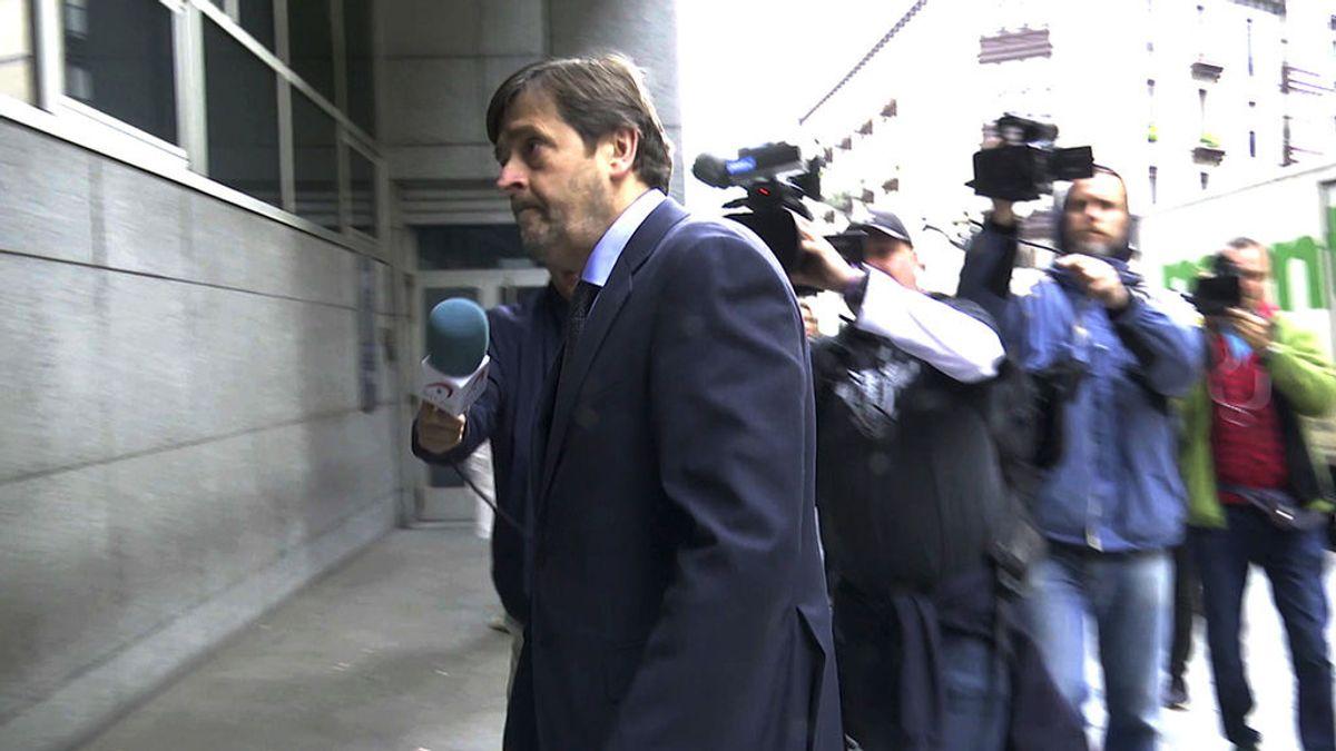 La policía busca a dos fugados de la manada de Bilbao