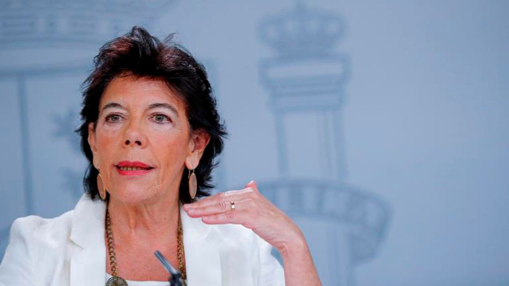 Isabel Celáa, en su comparecencia tras el Consejo de Ministros
