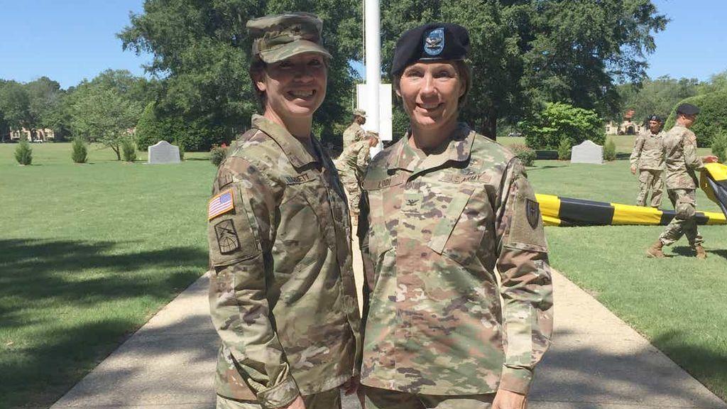María Barret y Paula Lodi, dos hermanas alcanzan el rango de general por primera vez en el Ejército de EEUU