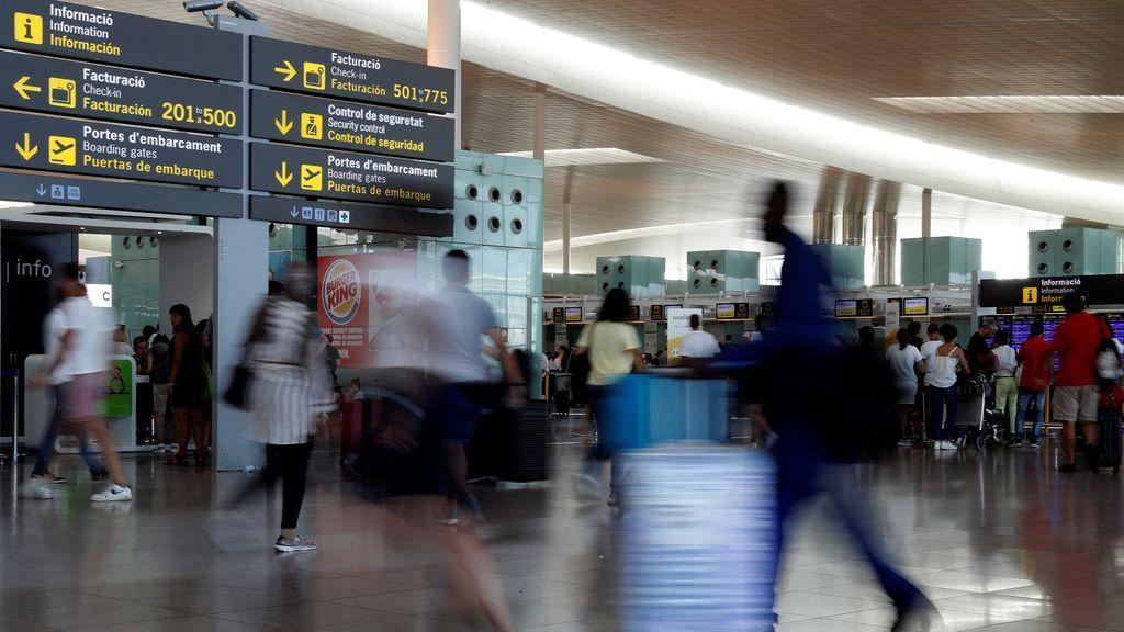 Normalidad en el Aeropuerto de Barcelona durante la huelga de vigilantes de seguridad