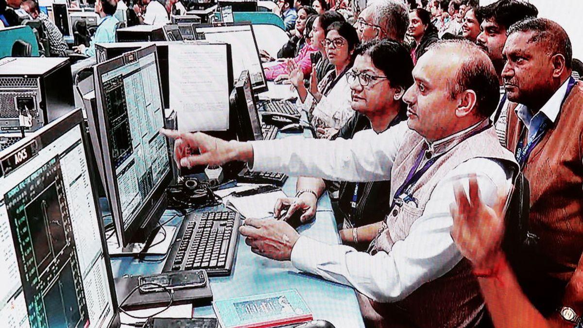 La agencia espacial de la India pierde contacto con el módulo que iba a aterrizar en la Luna