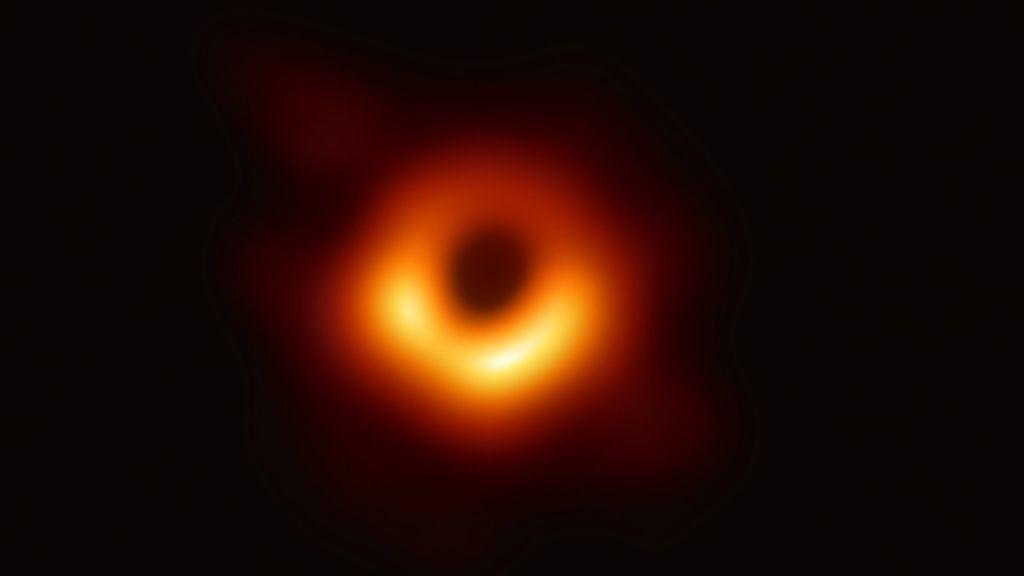 La superación de la astronomía continúa: de la fotografía al vídeo a color de un agujero negro