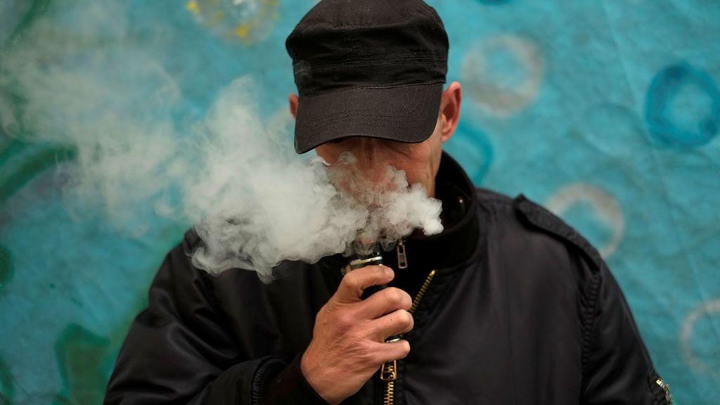 """Estados Unidos investiga decenas de """"misteriosas enfermedades pulmonares"""" relacionadas con los cigarillos electrónicos"""